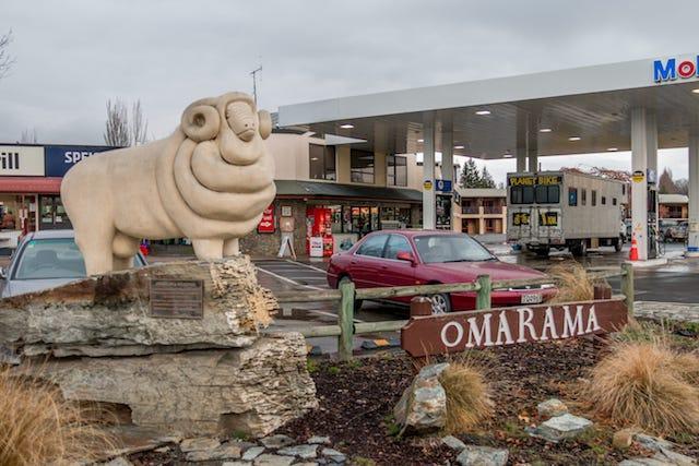 098-omarama-village